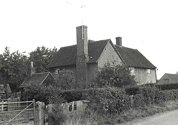251 and 252 Old Harrowden Road in 1960 [Z53/38/5]